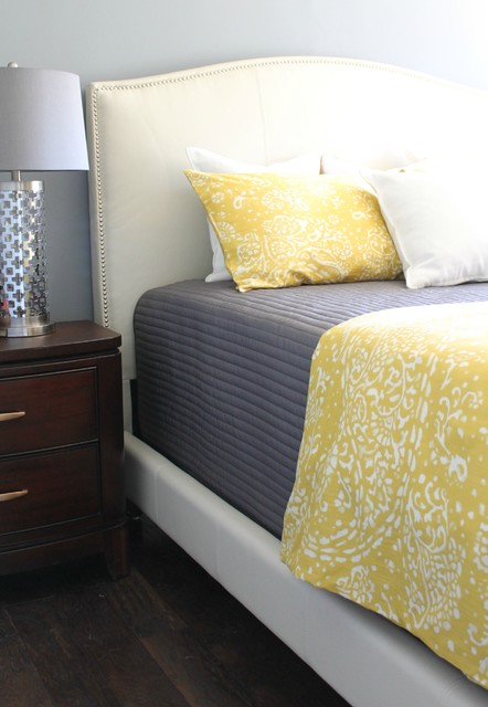 yellow and gray color scheme in bedroom