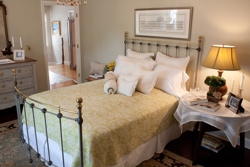 Creating A Warm And Inviting Guest Room Takes Attention To Details Big And  Small. Here Are 10 Ideas To Make Visiting Loved Ones Feel At Home.