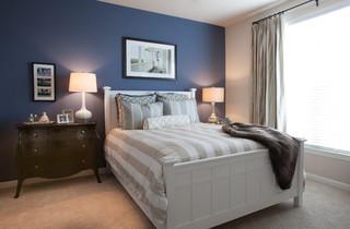 Young Professional Apartment Living トラディショナル-寝室