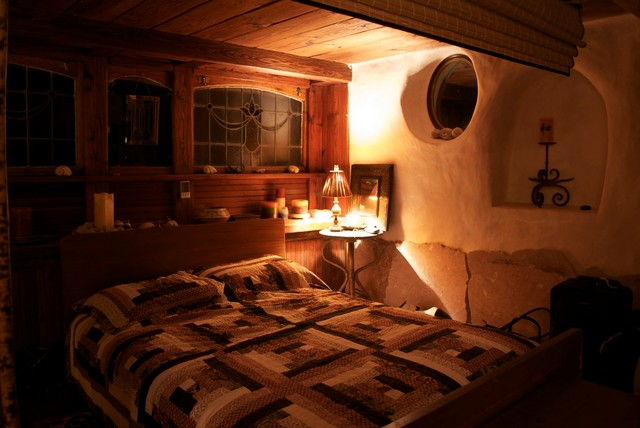 Zuker Cob House Rustic Bedroom