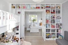 Mehr Stauraum im Kinderzimmer schaffen – 5 praktische Lösungen