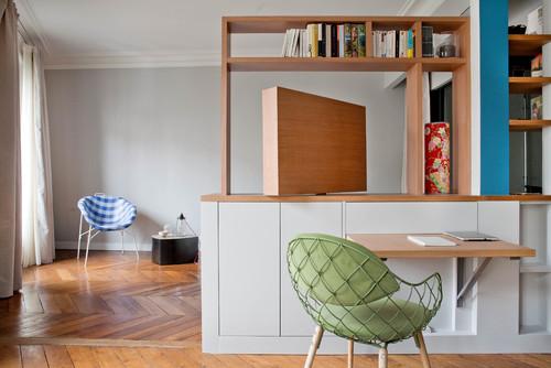 salon avec meuble de télévision orientable