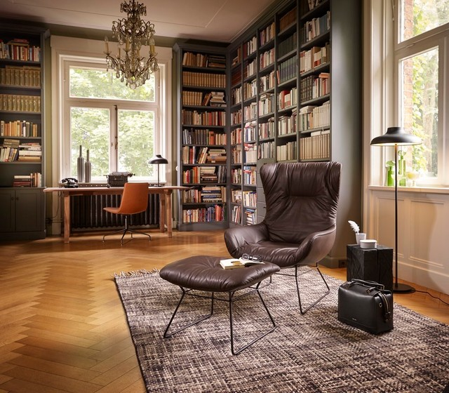 bureau domicile dans une biblioth que de style classique. Black Bedroom Furniture Sets. Home Design Ideas