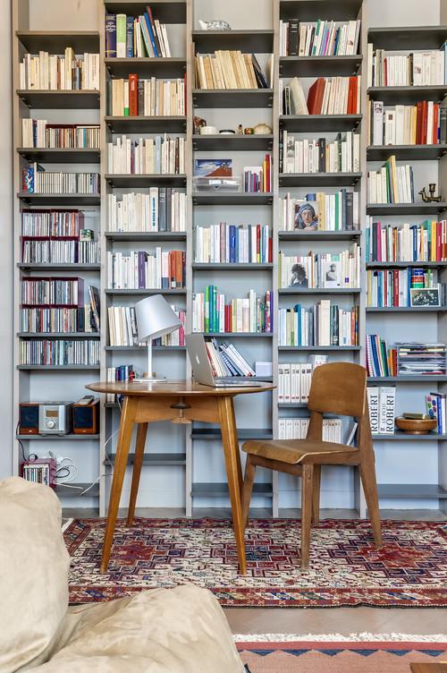 studio-tavolo-lavoro-rotondo-libreria