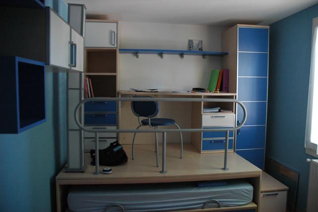 Cr ation d 39 espace estrade et bureau moderne bureau for Lit coulissant sous estrade