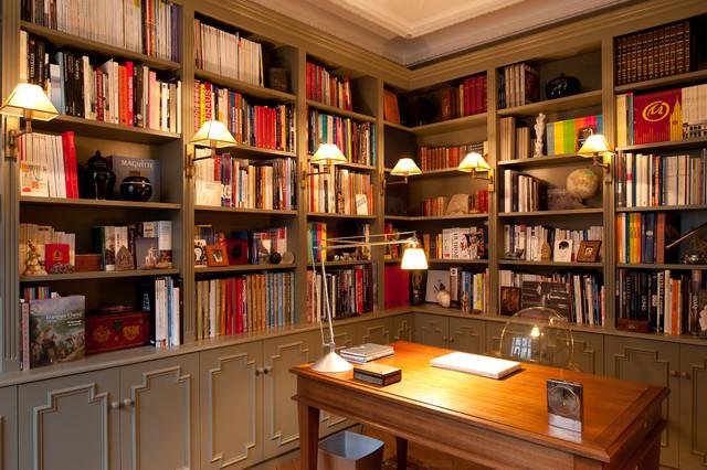 Bureau classique avec un sol en bois brun : Photos et idées déco ...
