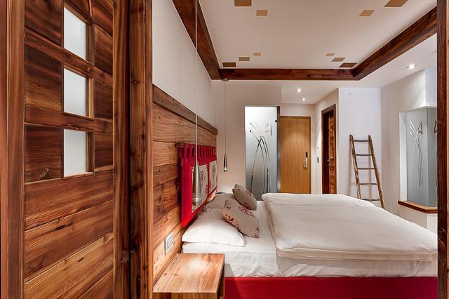 Arredamento in montagna camera da letto altro di for Camere di montagna