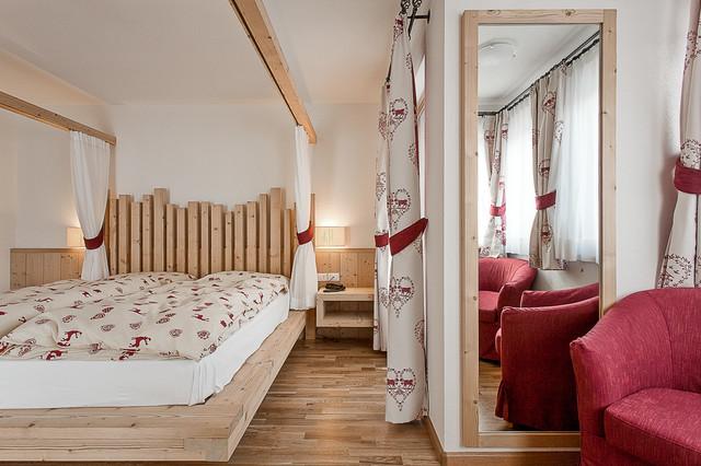 Arredamento in montagna camera da letto altro di for 5 piani di camera da letto 4 bagni