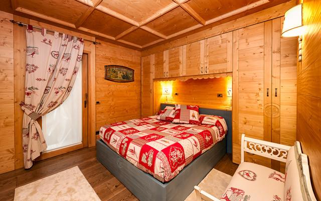 Mobili camera da letto montagna design casa creativa e - Mobili per case di montagna ...
