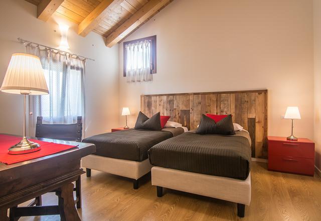 B b restyling di una stanza 2 eclettico camera da for 4 piani casa di campagna camera da letto