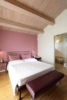Camera Da Letto Rosa.Ca Lunga Camera Rosa Contemporary Bedroom Bologna