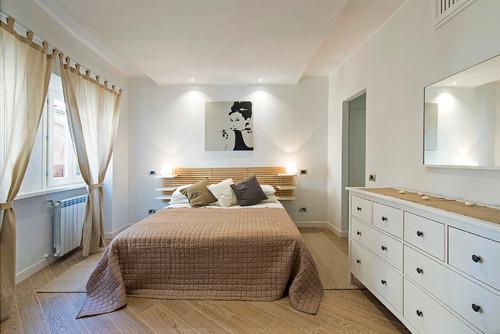 Struttura mensole dietro letto for Mensola sopra letto