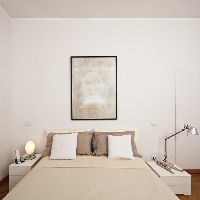Casa ac contemporaneo camera da letto roma di for 3 piani casa casa camera da letto