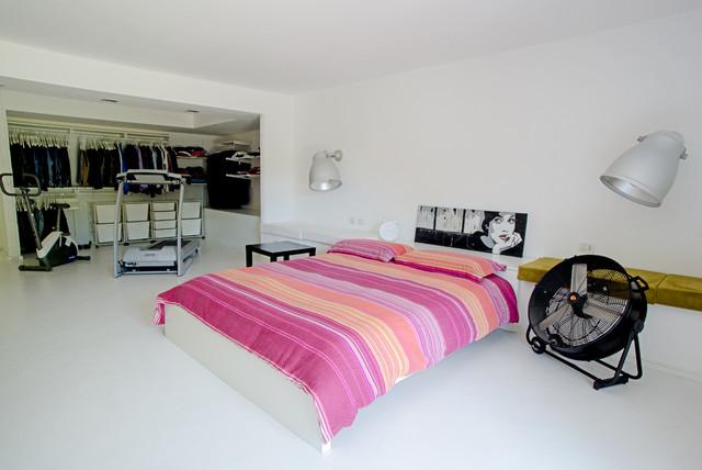 Garage house in sicilia contemporaneo camera da letto for Garage con camera da letto sopra i piani