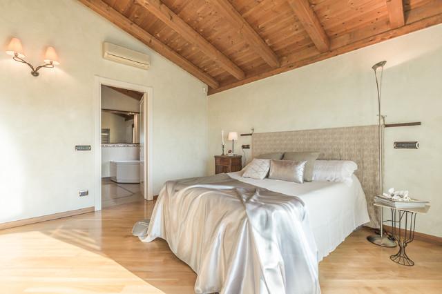 Home staging villa in campagna in campagna camera da for 3 piani di fattoria camera da letto
