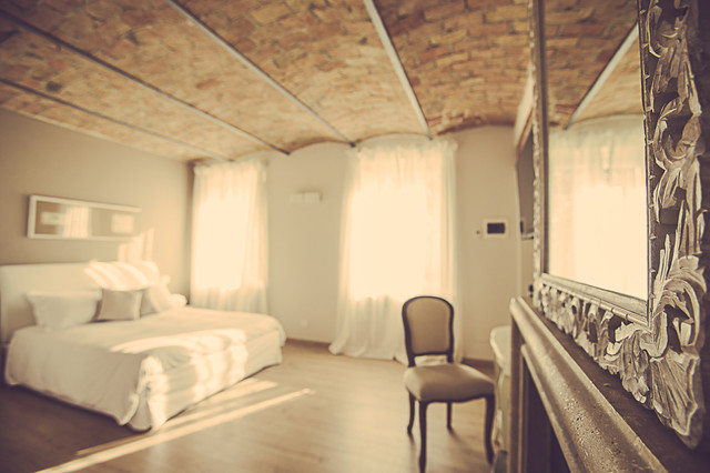 Langhe country house room noccioleto   shabby chic style   camera ...