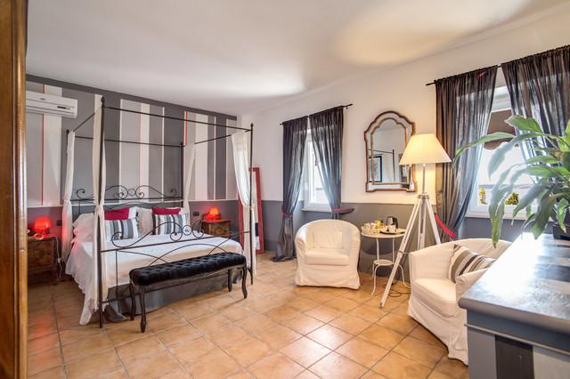 Progetto camere albergo borgo vista lago eclectic for Camere albergo design