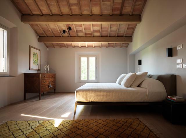 Residenza privata a faenza in campagna camera da letto for Ristrutturare la camera da letto