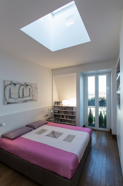 Sottotetto alla francese contemporaneo camera da letto milano di isabella maruti architetto - Camera da letto milano ...