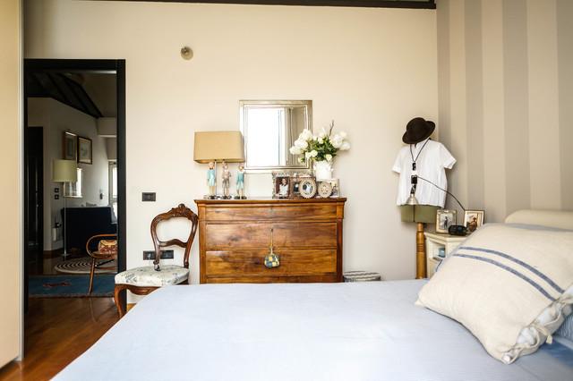 Visita privata a casa di licia e luciano in campagna for 8 piani di casa di camera da letto