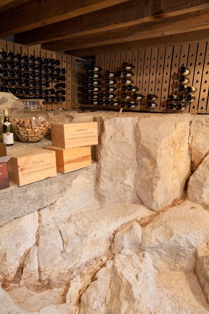 une maison en bourgogne m diterran en cave vin dijon par atelier fb. Black Bedroom Furniture Sets. Home Design Ideas