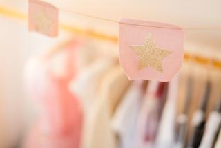 Skandinavische Kinderzimmer mit rosa Wandfarbe Ideen, Design ...