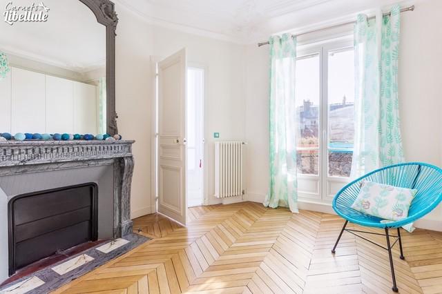 chambre de fille appartement haussmannien contemporain chambre d 39 enfant paris par. Black Bedroom Furniture Sets. Home Design Ideas