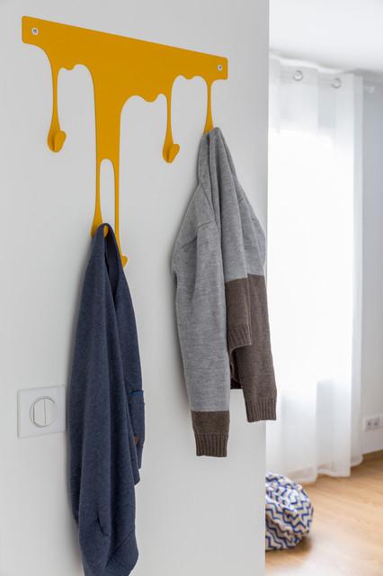 Chambre de garçon bleue et jaune - Contemporary - Kids ...