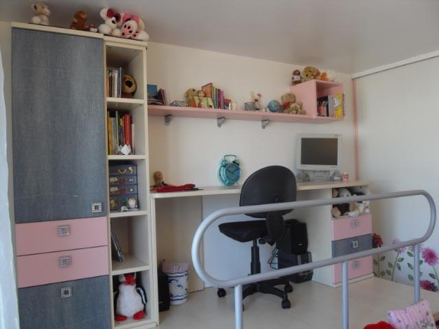 cr ation d 39 espace estrade et bureau moderne chambre d 39 enfant paris par happy hours au. Black Bedroom Furniture Sets. Home Design Ideas