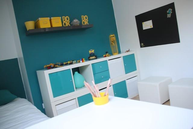 Chambre garcon bleu et orange design de maison for Chambre garcon marron et bleu