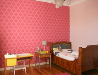 du papier peint dans les chambres classique chic chambre d 39 enfant nantes par doucet sas. Black Bedroom Furniture Sets. Home Design Ideas