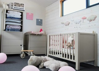magasin moderne chambre d 39 enfant nantes par design moi un mouton. Black Bedroom Furniture Sets. Home Design Ideas