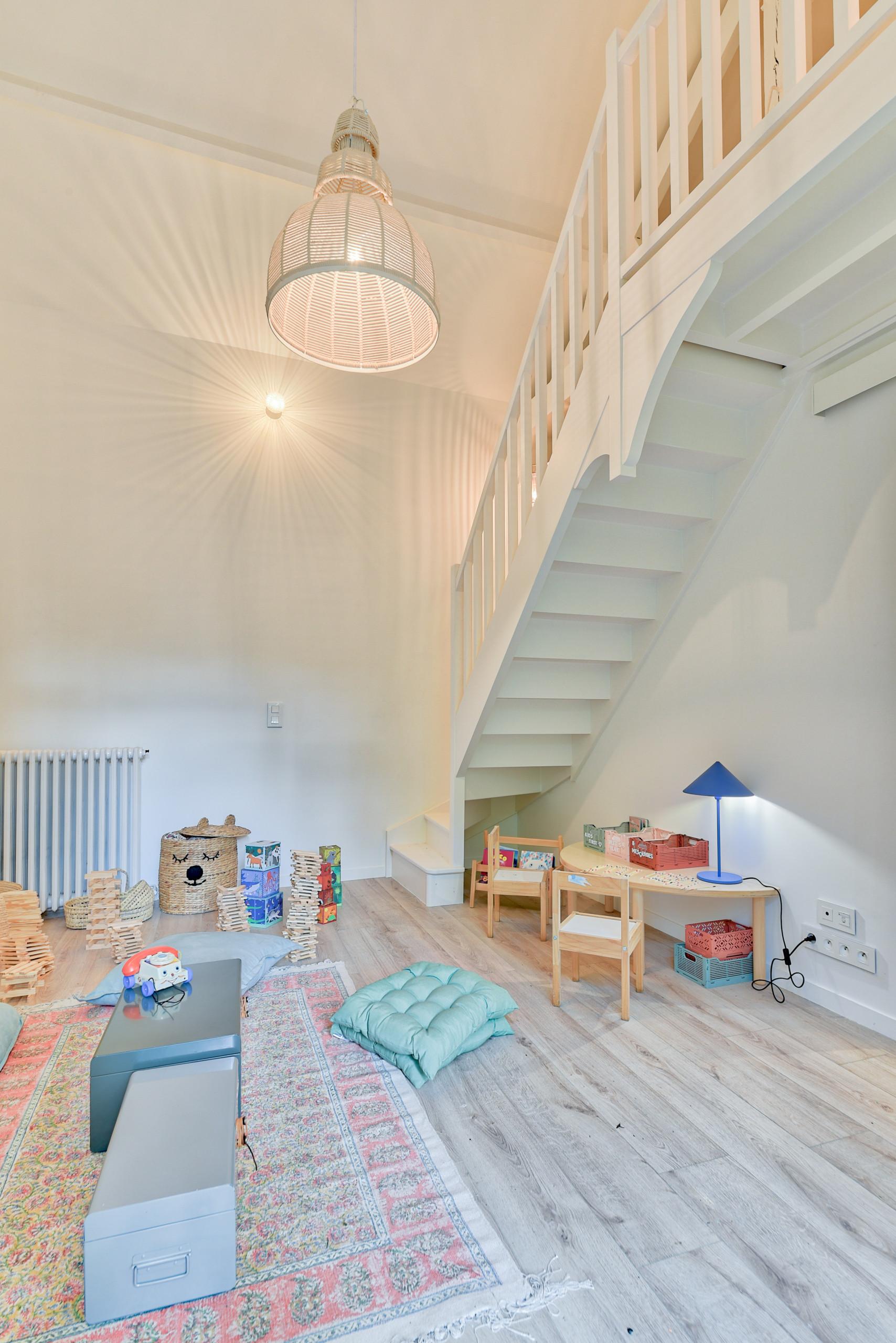 Rénovation d'un corps de ferme de 365 m2 - Maison des enfants