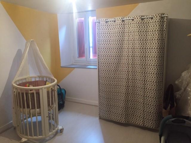 Chambre bébé jaune et gris - Contemporary - Nursery ...