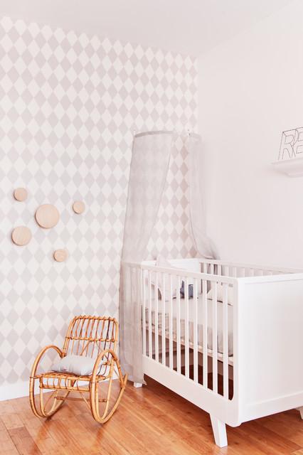 Chambre de bébé toute blanche - Farmhouse - Nursery - Paris - by ...
