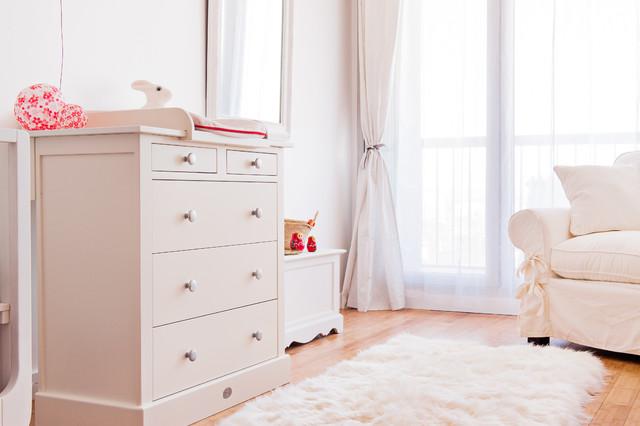 Chambre de bébé toute blanche - Campagne - Chambre de Bébé - Paris ...