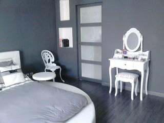 agencement de la chambre parentale avec acc s au dressing classique chic chambre paris. Black Bedroom Furniture Sets. Home Design Ideas