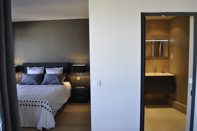 Appartement au chic parisien chambre et salle de bains for Appartement parisien decoration
