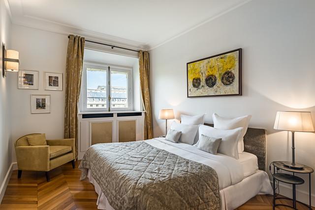 appartement classique chic paris classique chic chambre paris par fran ois guillemin. Black Bedroom Furniture Sets. Home Design Ideas