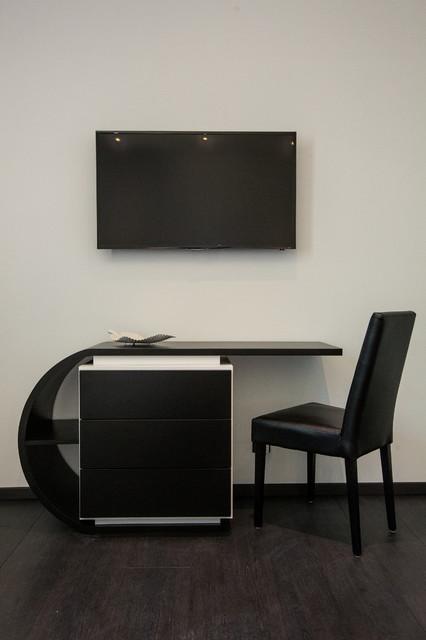 Bureau design dans la chambre Zen - Contemporary - Bedroom ...