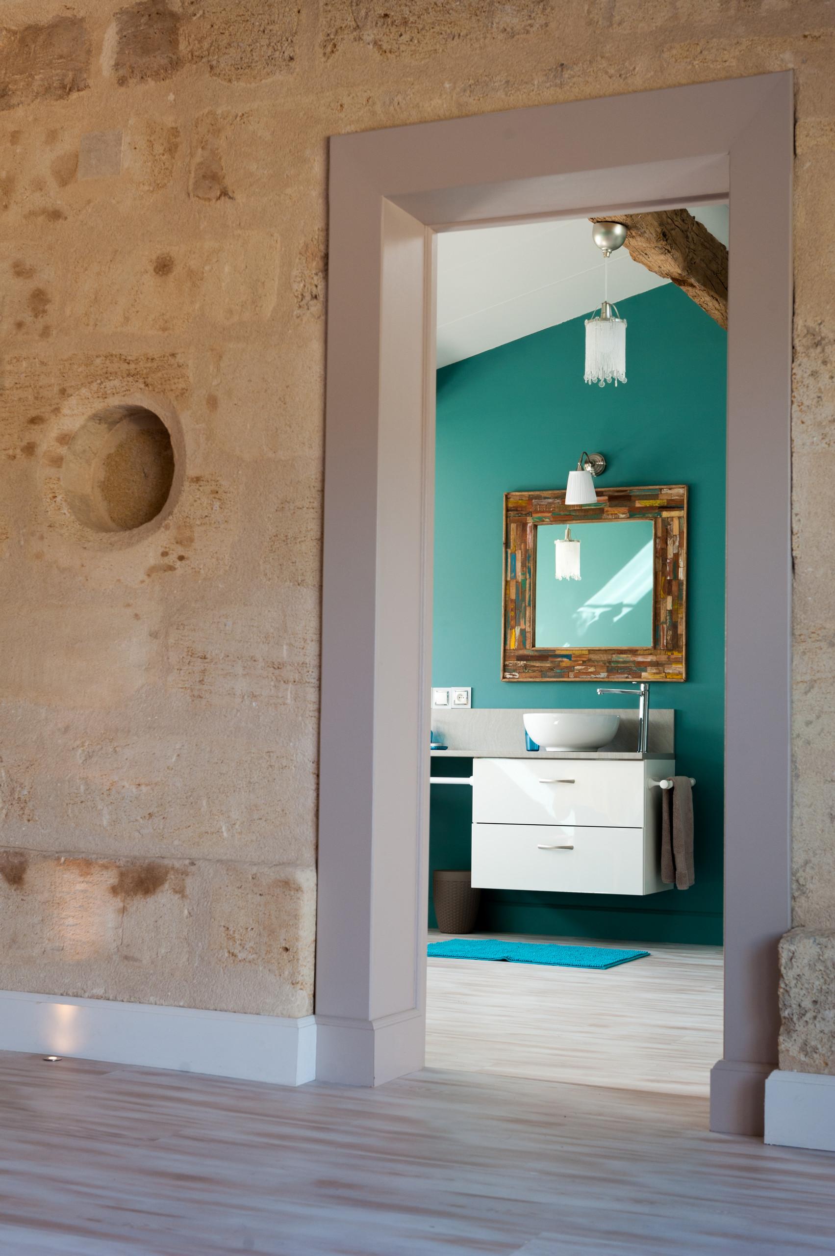 Création d'une chambre dans un grenier avec salle de bains attenante