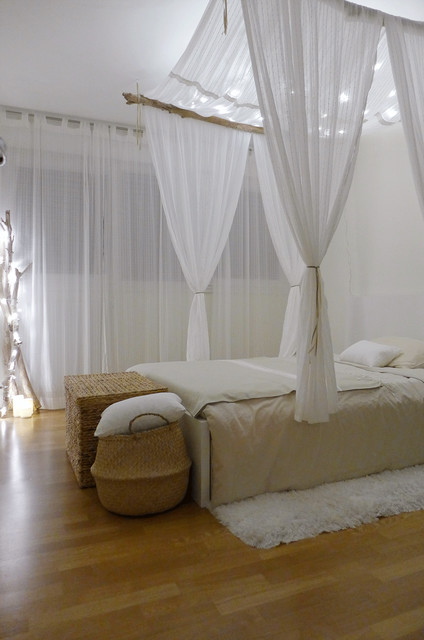Douceur De Vivre Un Appartement Au Style Clectique Beach Style Bedroom Lyon By Sk A