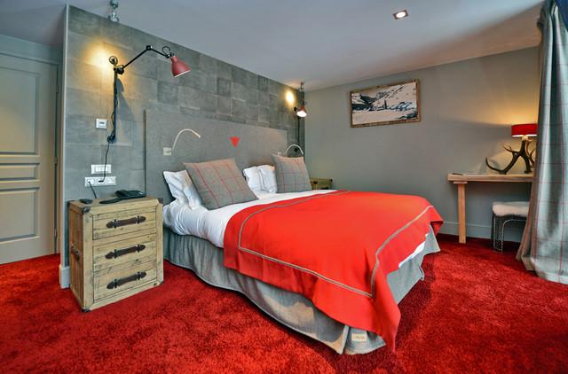 h tel les 5 fr res val d 39 is re tissus arpin classique chic chambre grenoble par. Black Bedroom Furniture Sets. Home Design Ideas