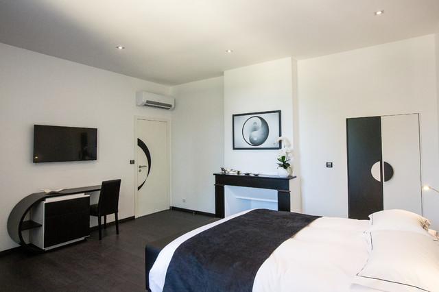 la chambre zen contemporain chambre bordeaux par a3design. Black Bedroom Furniture Sets. Home Design Ideas