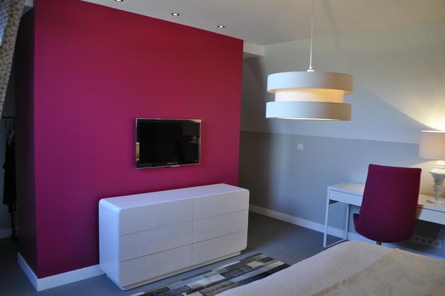 Maison familiale contemporaine chambre avec t l vision for Chambre contemporaine