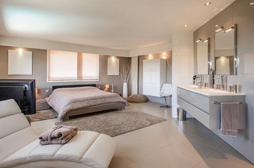 Comment recloisonner l\'espace salle de bains dans une chambre ?