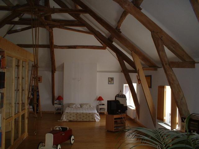 Réhabilitation d\'une maison ancienne, aménagement des combles