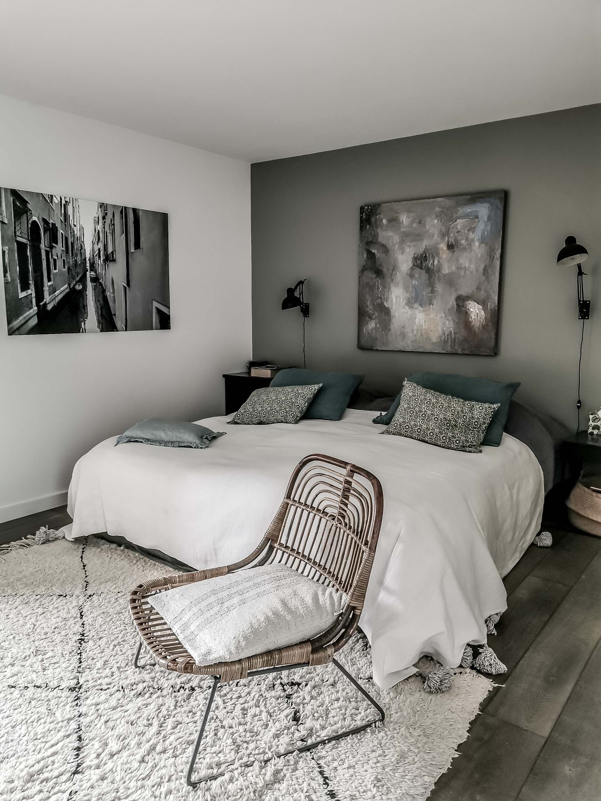 12 Beautiful Rustic Gray Bedroom Pictures & Ideas - January, 12
