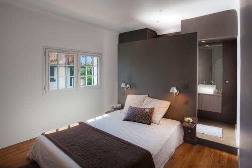 quelle est la surface de cette chambre avec la salle de bain. Black Bedroom Furniture Sets. Home Design Ideas