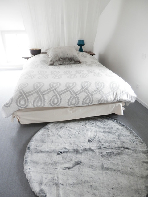 Tapis Fausse Fourrure Modern Bedroom Grenoble By Itao